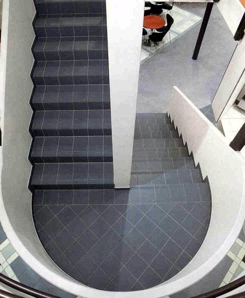 treppe design fliesen. Black Bedroom Furniture Sets. Home Design Ideas